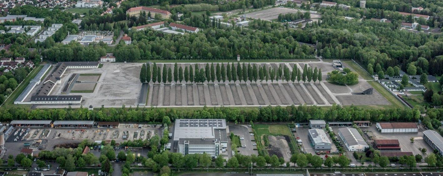 Die KZ-Gedenkstätte Dachau von oben fotografiert.